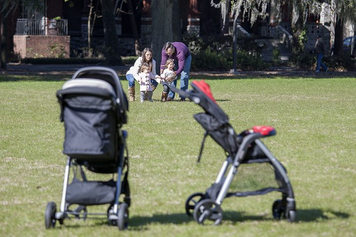 Urbini Strollers at the park. Check out the benefits and features of Urbini Stroller.