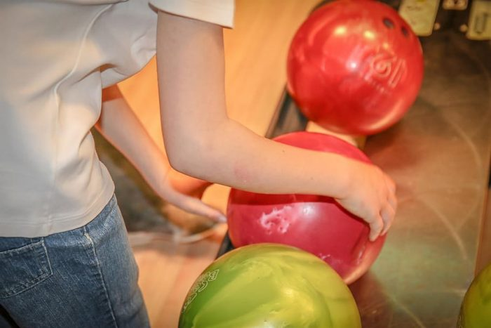 Straight bowlers should go with a high mass bowling ball